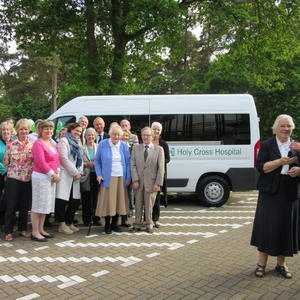 Hospital receives new minibus